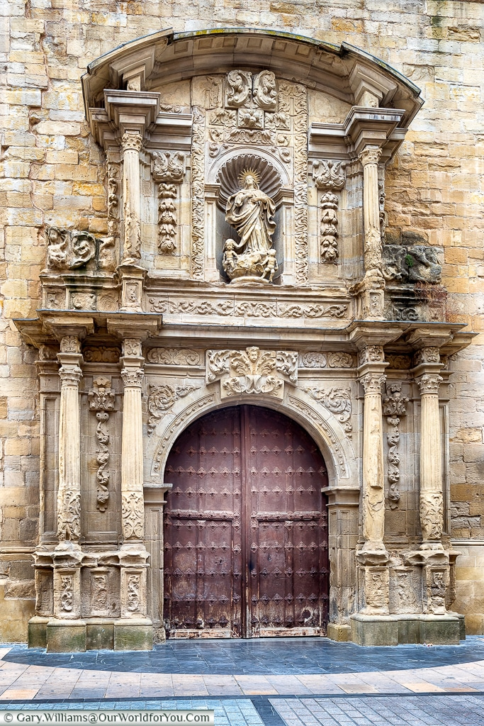 Entrance to Church-Cathedral of Santa María de la Redonda, Logroño, Spain
