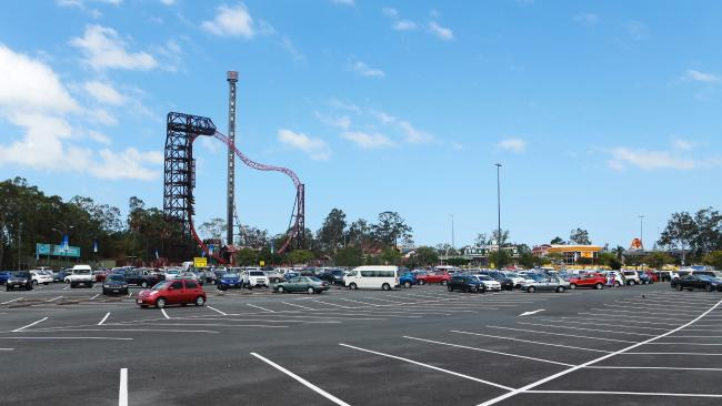 """Here's News Corps smoking gun, a photo of a car park taken at """"sometime"""" yesterday. Well that must mean Dreamworld are going under then!"""