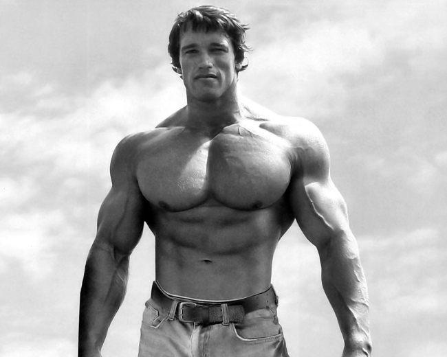 Arnold-Schwarzenegger-in-jeans