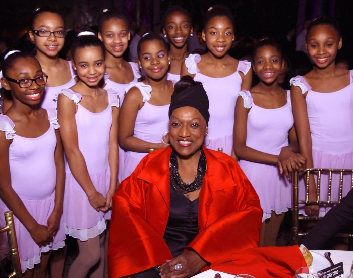 Jessye Norman and DTH Students Photo Joseph Rodman