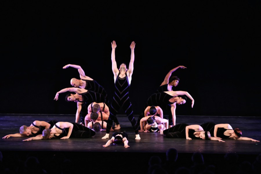 hudson-valley-dance-festival-2014-paul-taylor-dance-company-02-photo-by-daniel-roberts