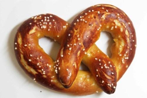 alton-brown-soft-pretzels-1
