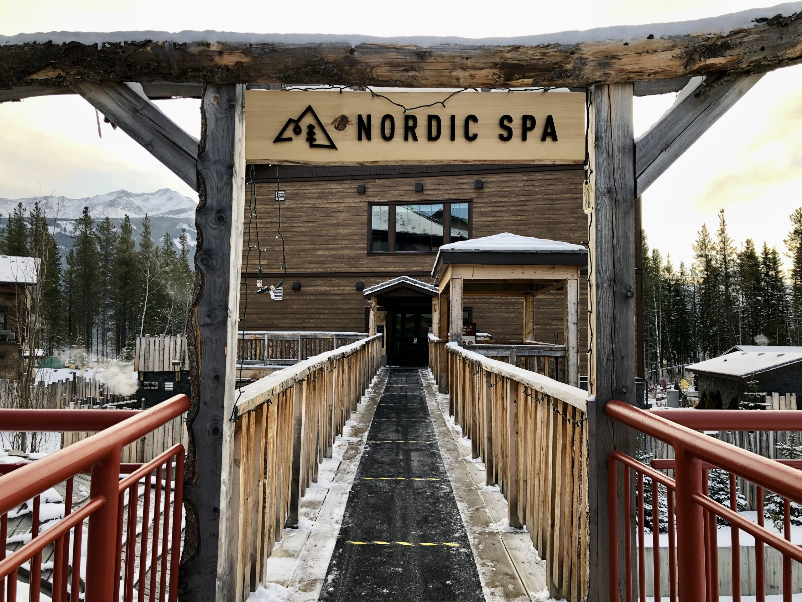 Kananaskis Retreat: Relaxing Winter Getaway in the Rocky Mountains via @outandacross