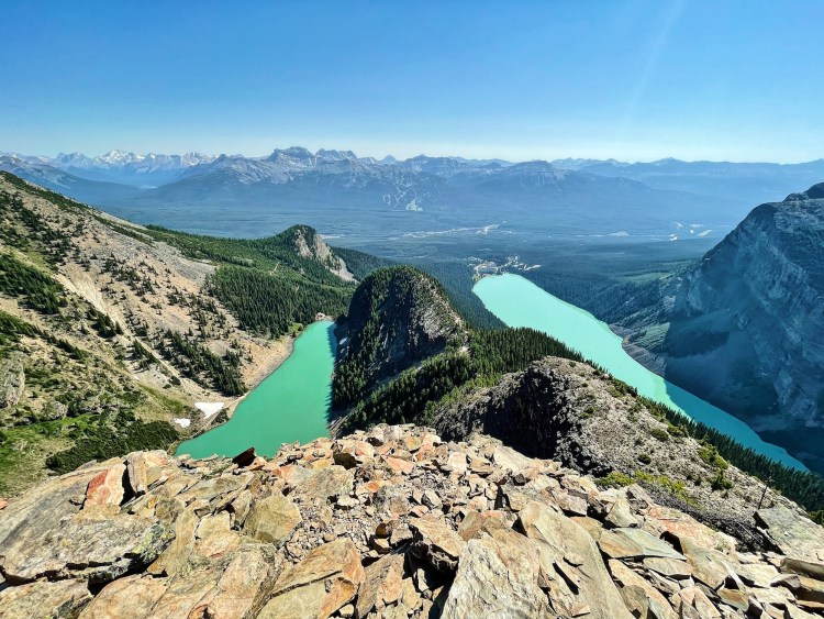 Devil's Thumb hike summitit
