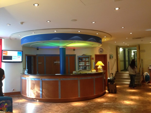 Park Inn Munich-East check-in desk