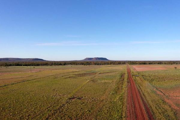 Outback Accomodation at Food and Huts by Mt Oxley