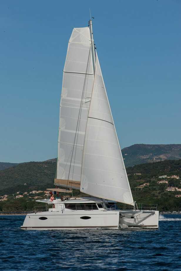 Helia 44 Under Full Sail
