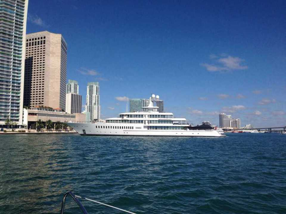 Mark Cuban's boat Fountainhead