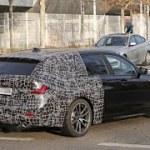 BMW伝統の「アレ」の行方は? 3シリーズツーリング 次期型に大接近!