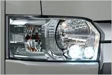 ハイエース LEDヘッドライト