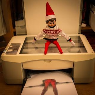 Elf on the shelf makes copy of his bottom