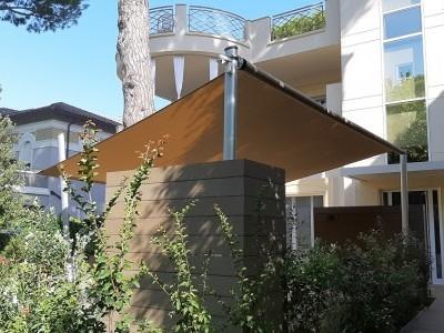 È un punto di riferimento nell'arredo esterno e nelle tende da sole, gazebi, pergolati, strutture in ferro, strutture in legno, camini,. Outdoor Soluzioni D Arredo Per Esterni Progettate Su Misura