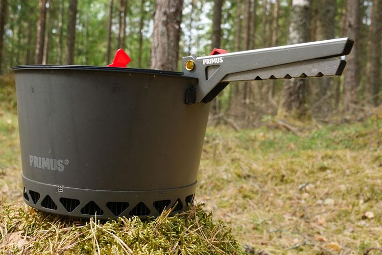 De greep van de Primus PrimeTech Stove Set 2.3 L moet beter om de pannen goed vast te houden.