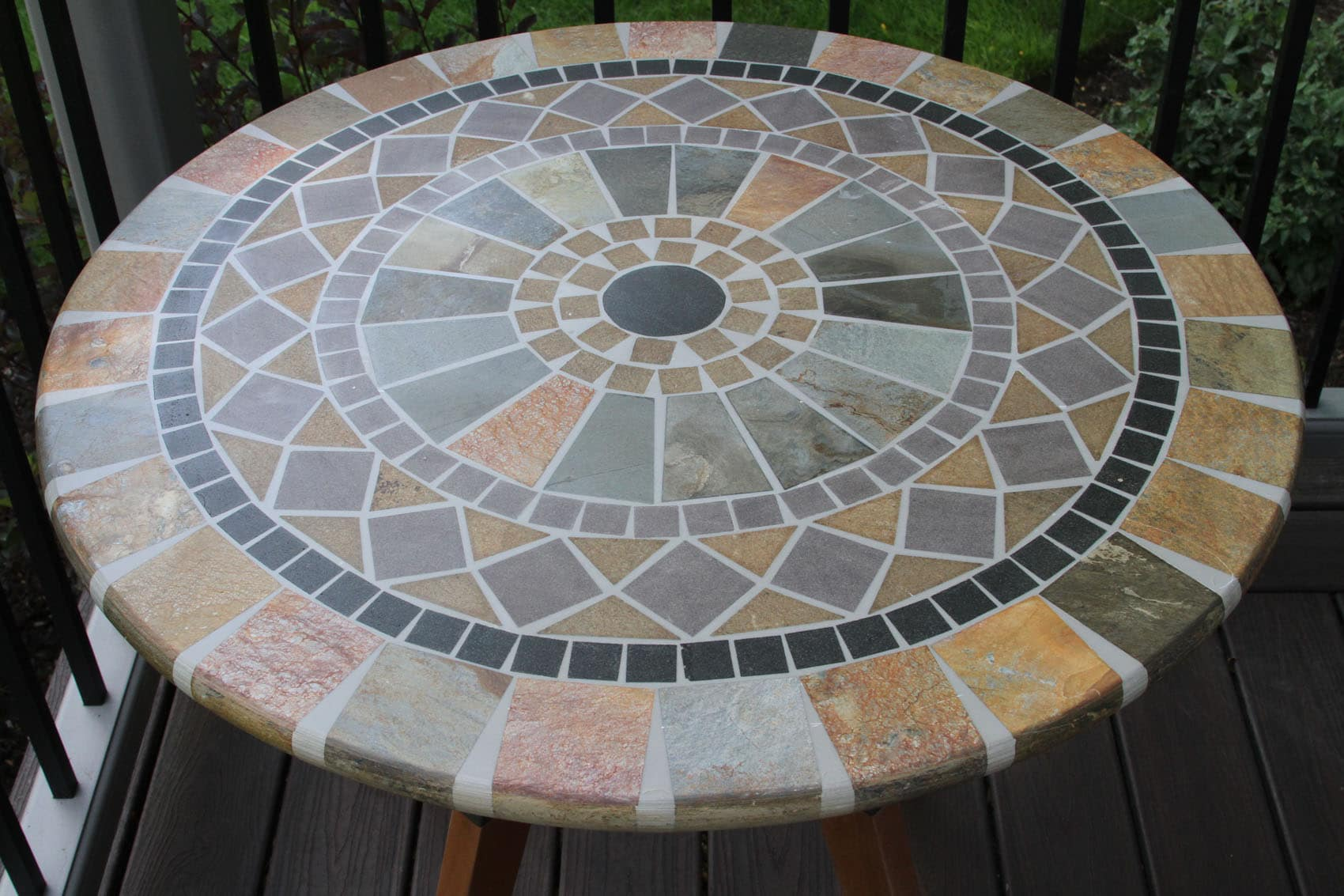 30 Sandstone Mosaic Bistro Table Top with Mixed Material Base