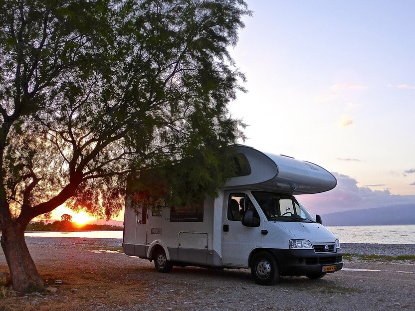 Reisemobil Etagenbett : So findest du das richtige familien wohnmobil! outdoorkid