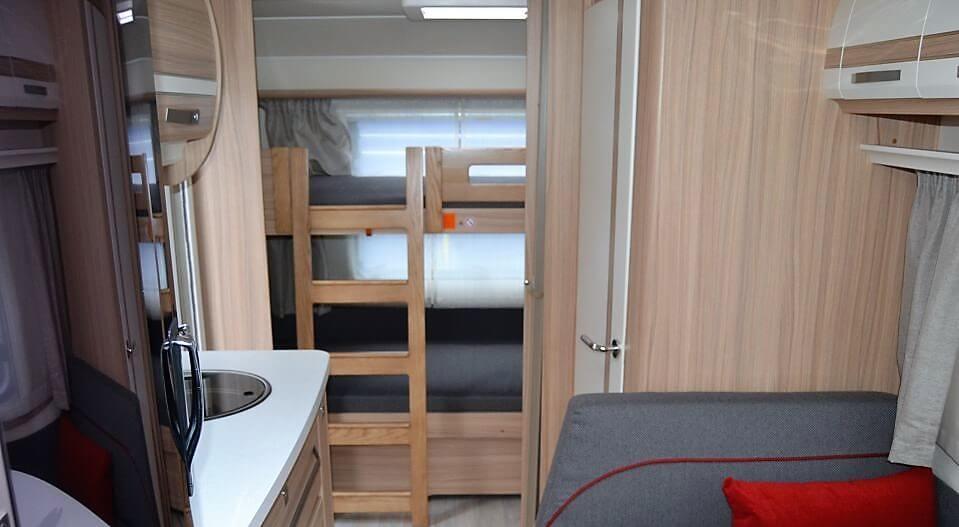 Wohnwagen Mit Etagenbett Vergleich : Was eine familie bei der auswahl ihres wohnwagens beachten sollte