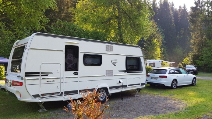 Wohnwagen Mit Etagenbett Fendt : Was eine familie bei der auswahl ihres wohnwagens beachten sollte