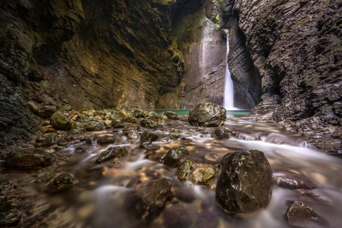 waterfall-1545322_1920