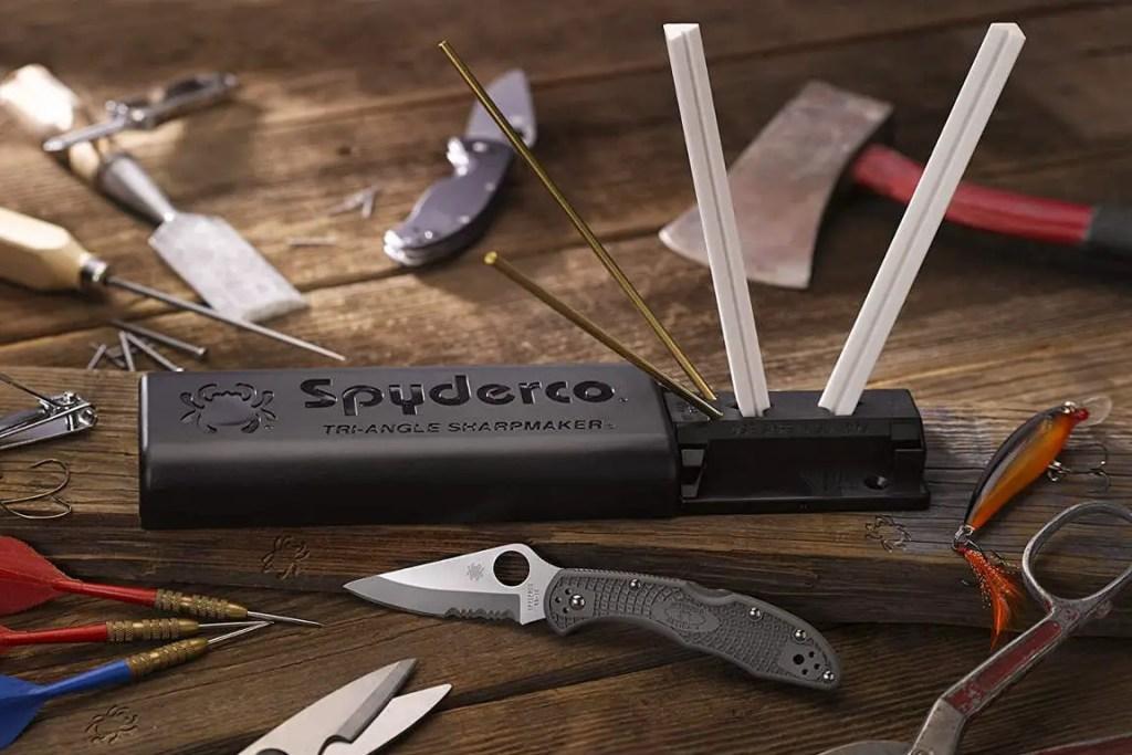 Spyderco-Tri-Angle-Sharpmaker-featured