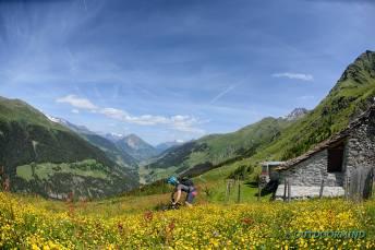 Traumhafte-Bergwiesen-Bike-Verbier-Outdoormind