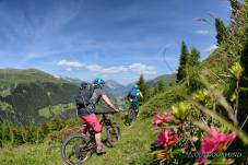 Uphill-Passage-Enduro-Bike-Tour-mit-Bike-Verbier-Outdoormind