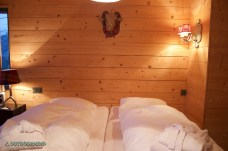 Doppelzimmer_Rinderberg_Swiss_Alpine_Lodge_Outdoormind