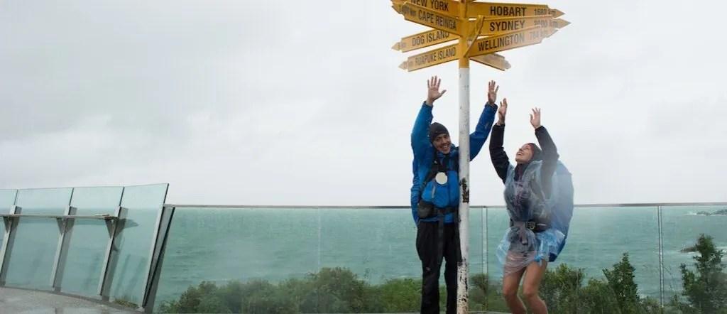 Miri & Micha von Explore360Degrees am Ziel des Te Araroa Trails Neuseeland