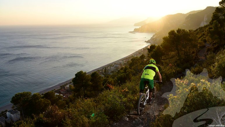 Mountainbiken auf den Finale Ligure Trails