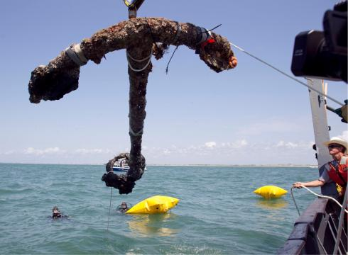 Infamous Pirate Blackbeard's Anchor Raised After 293 Years