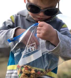 kids not want to hike? Entice them with some trail mix!