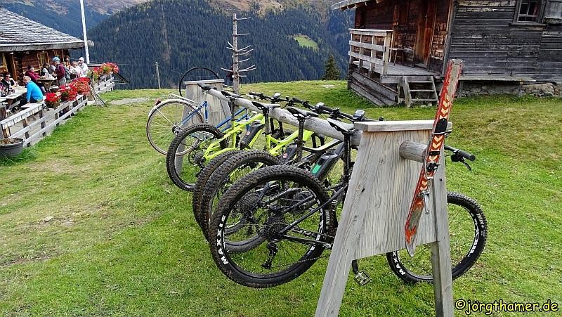 Biken in Davos - Fahrradständer an der Stafelalp