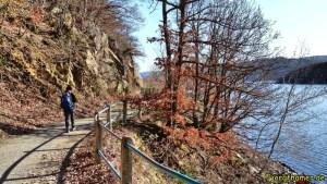 Wandern am Rursee - Idylle am Seeufer