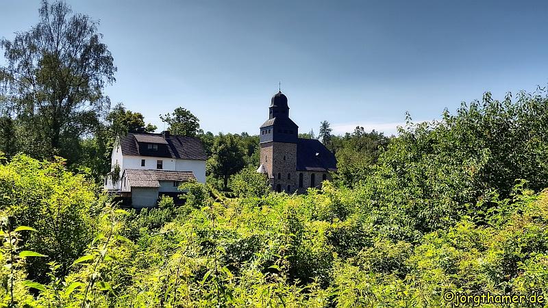 Lahnfacette Küppeltour - Kirche in Wasenbach