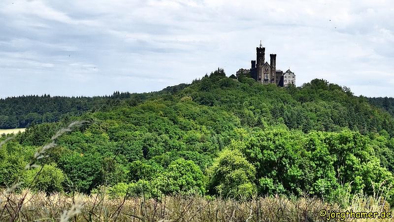 Dreh- und Angelpunkt der Küppeltour: das Schloss Schaumburg