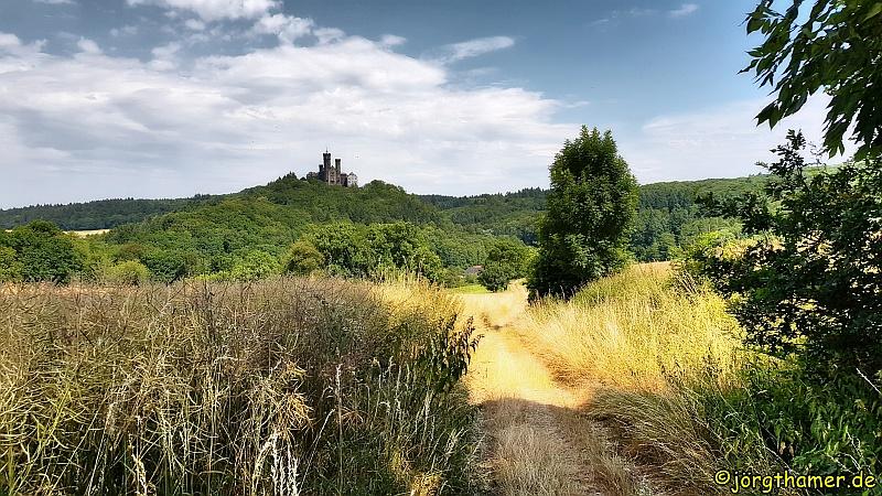 Lahnfacette Küppeltour - Blick auf Schloss Schaumburg