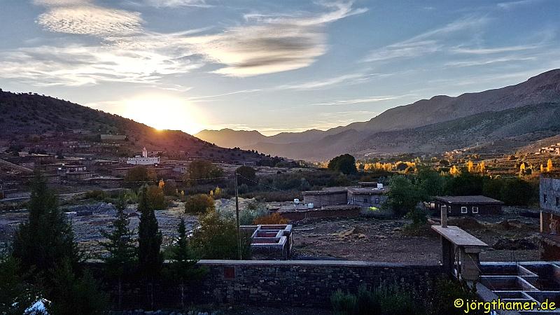 Sonnenuntergang im Tal der Glückseligen