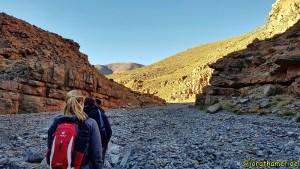 Hinauf zum See Izoughar