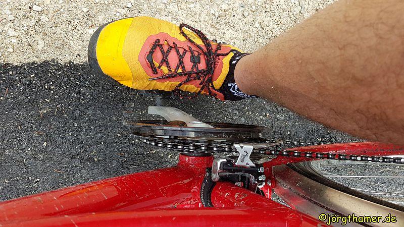 Keen Venture WP beim Radfahren