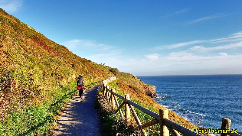 Camino del Norte am Meer entlang