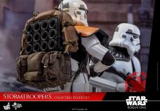 hot-toys-rogue-one-stormtrooper-set-005