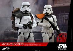 hot-toys-rogue-one-stormtrooper-set-009