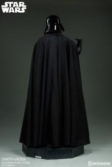 star-wars-darth-vader-legendary-scale-figure-400103-07
