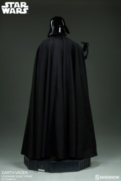 star-wars-darth-vader-legendary-scale-figure-400103-07