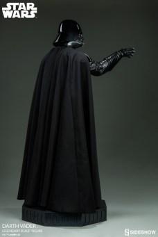 star-wars-darth-vader-legendary-scale-figure-400103-08
