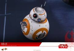 Hot-Toys-The-Last-Jedi-BB-8-006