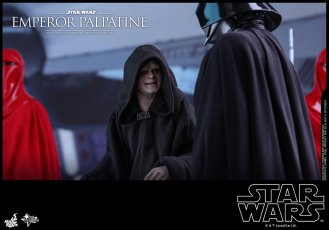 Hot-Toys-Star-Wars-Emperor-Palpatine-004