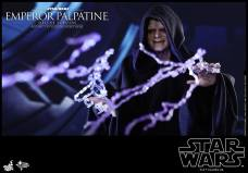 Hot-Toys-Star-Wars-Emperor-Palpatine-Deluxe-004