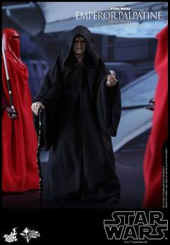 Hot-Toys-Star-Wars-Emperor-Palpatine-Deluxe-010