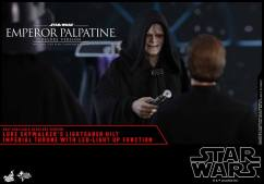 Hot-Toys-Star-Wars-Emperor-Palpatine-Deluxe-013