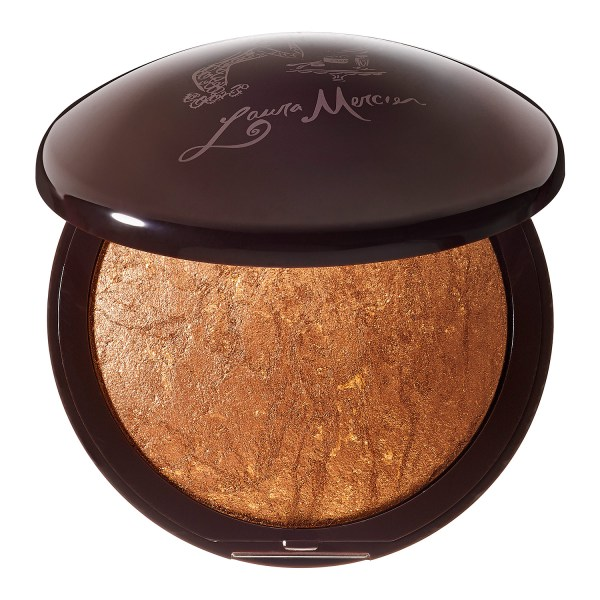 Bronzers In Achieving Healthy And Glowing Tan